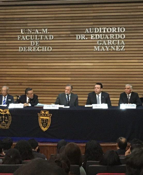 """Presentación del libro """"Derecho Civil"""", autoría del Dr. Javier Tapia Ramírez"""