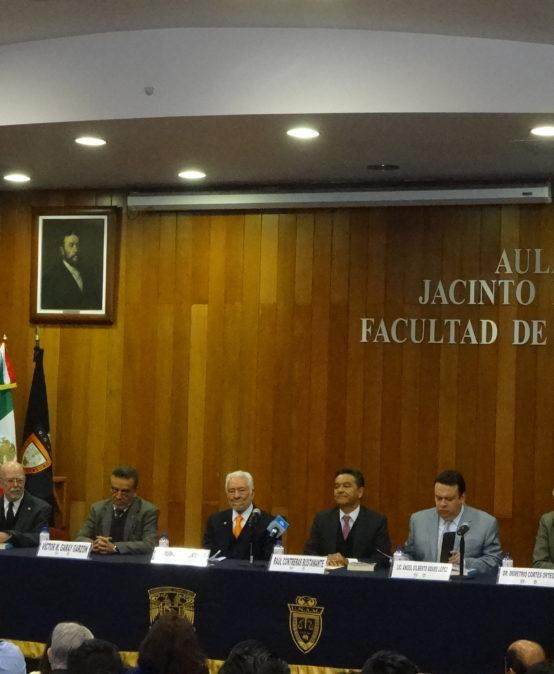 """Presentación de la reimpresión del libro """"Derecho Familiar"""" de Julián Güitrón Fuentevilla"""